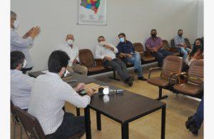 Edson Machado- Didi avalia juntamente com prefeitos da região proposta para implantação de Usina de Tratamento de Resíduos Sólidos.